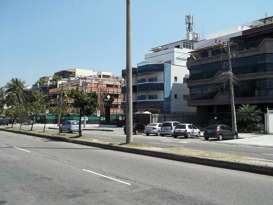 Sol da Barra Apart Hotel: o hotel visto pela rua