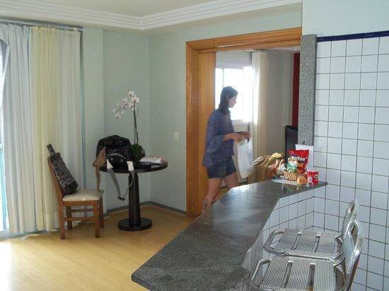 """Sol da Barra Apart Hotel: """"sala de estar"""" do quarto"""