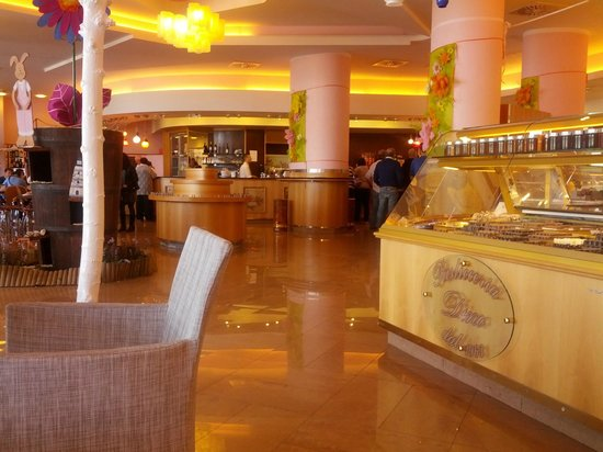 Bar pasticceria dino casalecchio di reno via marconi for Hotel casalecchio bologna