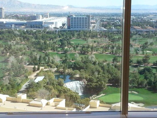 Wynn Las Vegas Casino: Beautiful view of the golf course