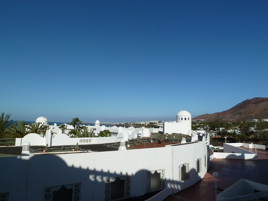 H10 Timanfaya Palace: View from 414