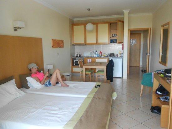 Solaqua Apartments : room