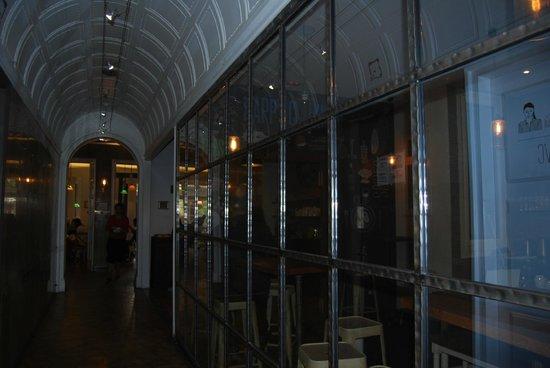 Casa Gracia: corridoio zona cucina- living