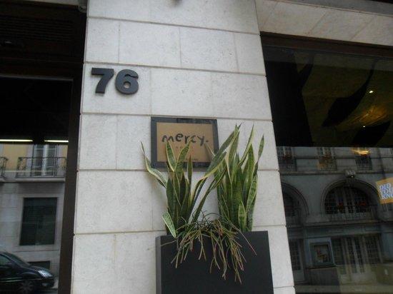 9HOTEL MERCY: frente
