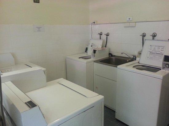 Ashfield Manor : Laundry