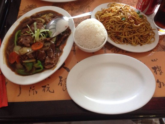 Wok N Roll Chinese Restaurant Bar Beef Satay Pan Fried Noodles And White