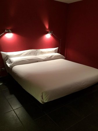 Casa Camper Hotel Barcelona: Super comfy bed