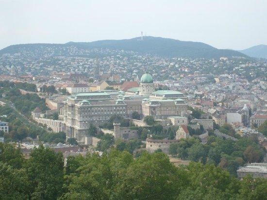 Gellértberg und Freiheitsstatue (Gellért-hegy): Aussicht