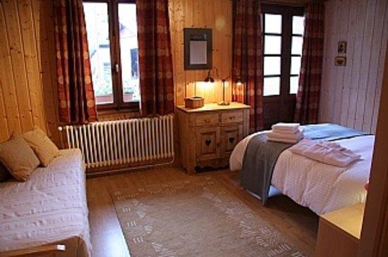 Entre Deux Eaux: Family room with ensuite