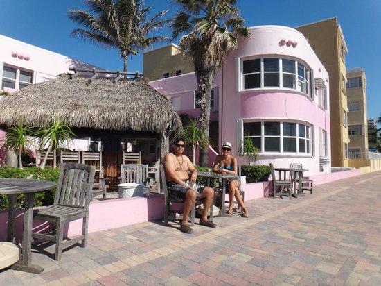 WalkAbout Beach Resort: hotel