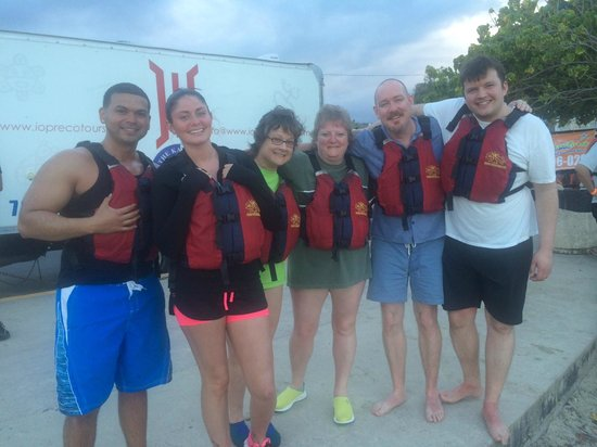 Louie's VIP Tours: Ready to Kayak in Bio Bay