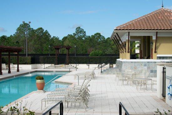 Damai Resort : Pool