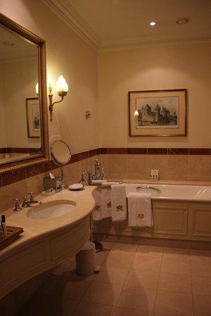 InterContinental Amstel Amsterdam: Bathroom