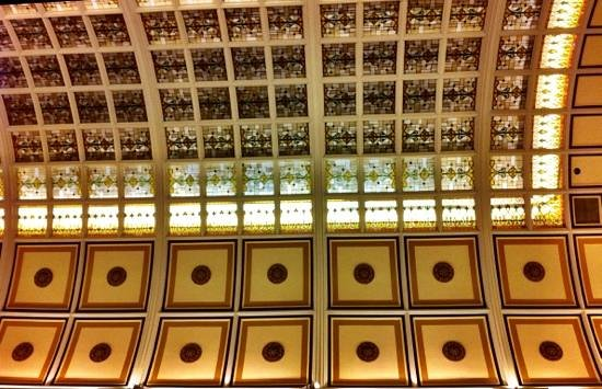 Union Station Hotel, Autograph Collection : Lobby ceiling