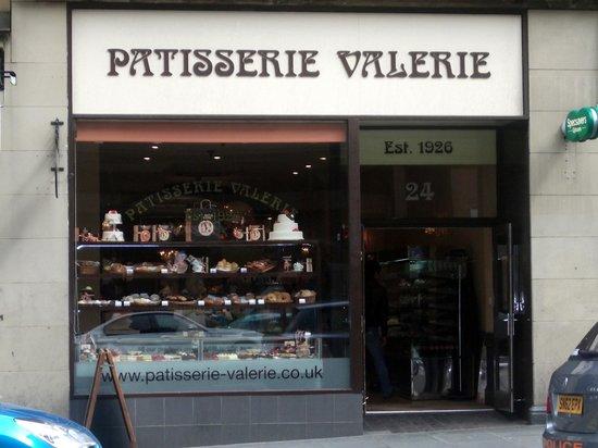 Patisserie Valerie Northbridge: shop window