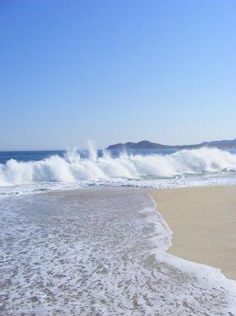 Casa del Mar Golf Resort & Spa : Waves!