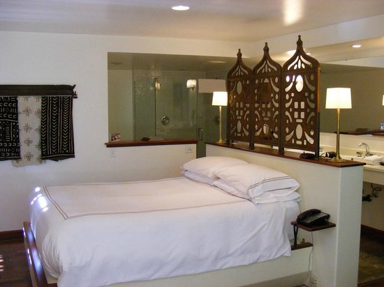 Gaige House, A Four Sisters Inn: Our suite