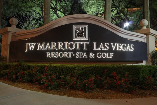 JW Marriott Las Vegas Resort & Spa: Arrival at night