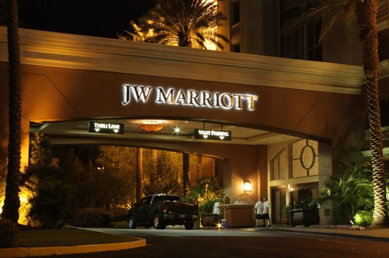 JW Marriott Las Vegas Resort & Spa: Front Drive