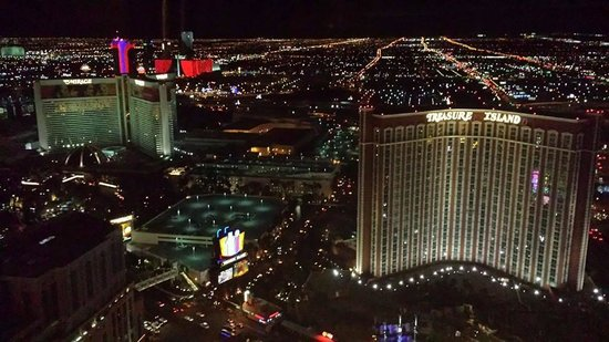 The Palazzo Resort Hotel Casino: Our night view