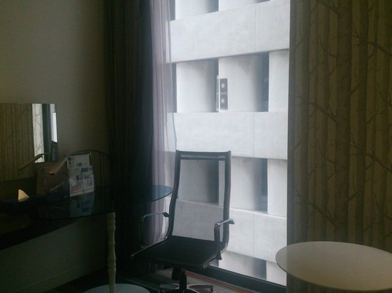 Holiday Inn Express Bangkok Siam: Didn't get a good room view although requested during booking
