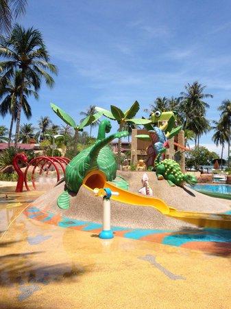 Meritus Pelangi Beach Resort & Spa, Langkawi: Kids pool with splash park