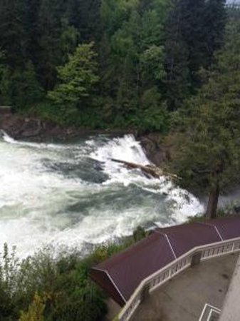 Over The Falls Picture Of Salish Lodge Amp Spa Snoqualmie