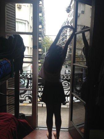 Petit Recoleta Hostel: Quarto com varanda
