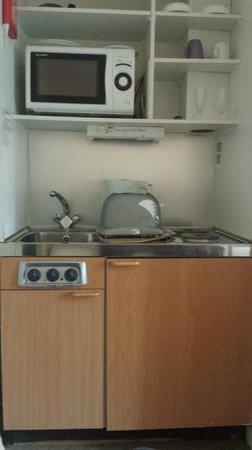 Dylan Apartments Kensington: Utensílios da cozinha