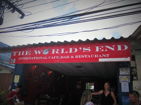 The Worlds End Cafe: Entrance
