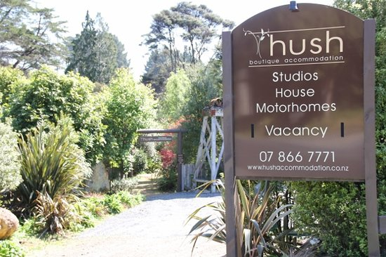 Hush Boutique Accommodation: Plenty of parking
