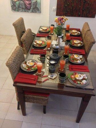 Jimbaran Bay Beach Residence : Breakfast (Complimentary)