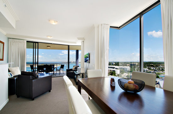 Pumicestone Blue Resort : 3 Bedroom Unit Lounge/Dining