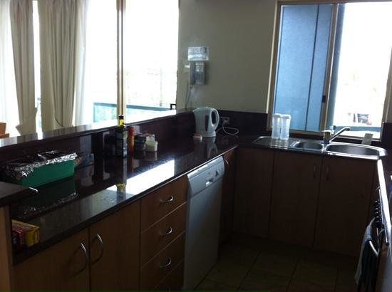 Landmark Resort: Kitchen.