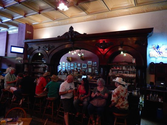 The Palace Restaurant and Saloon: Palace bar area
