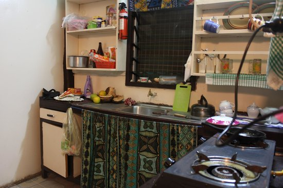 Bibi's Hideaway: Kitchen :)