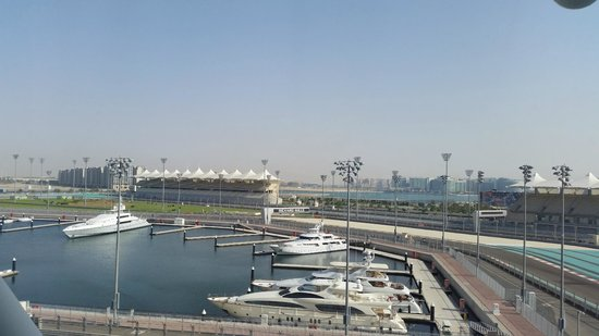 Yas Viceroy Abu Dhabi : Vista da janela