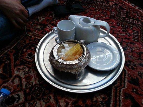 Bastani: Tea service!
