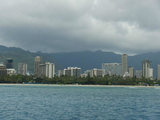 Sail Makani : A beautiful view of Honolulu from the Makani catamaran