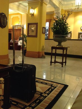 Castlereagh Boutique Hotel: The foyer.