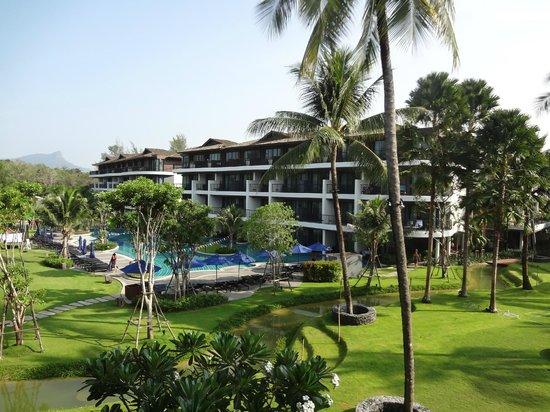 Holiday Inn Resort Krabi Ao Nang Beach: Um dos blocos do hotel