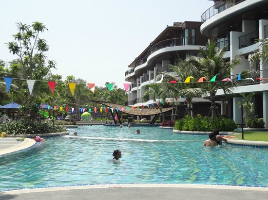 Holiday Inn Krabi Ao Nang Beach: Uma das piscinas do hotel