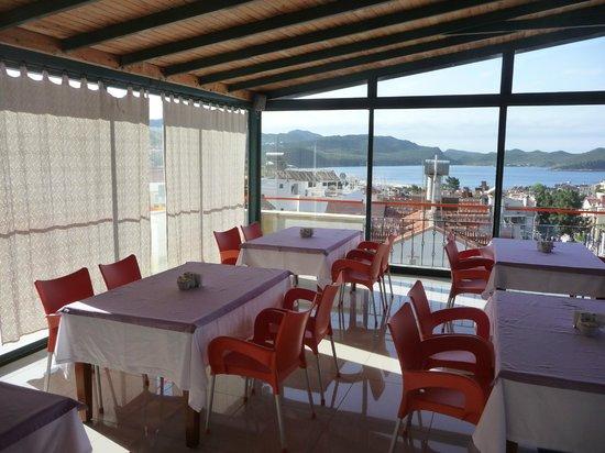 Hotel Kekova: Dachterrasse-Frühstücksraum...