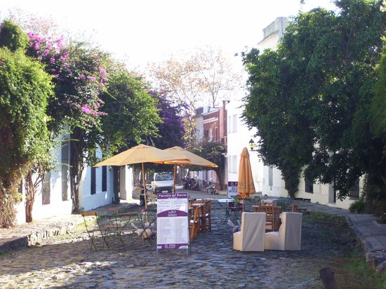 Pepe Concierge Service - Walking City Tours: Cafe in Colonia
