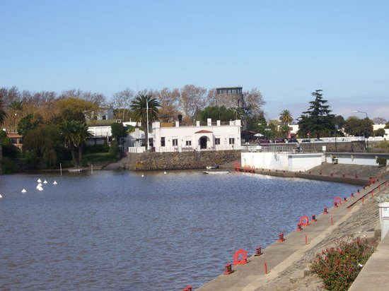 Pepe Concierge Service - Walking City Tours: By the water in Colonia