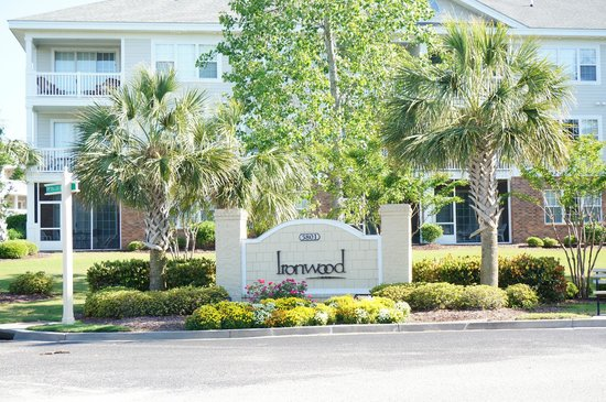 Barefoot Resort: Ironwood