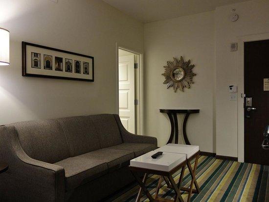 The Alfond Inn: Living room
