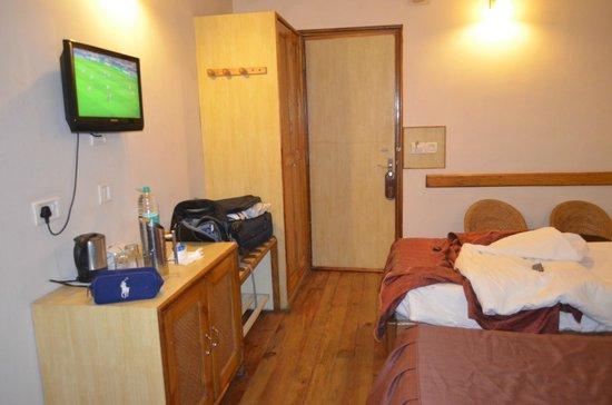 The Eee Cee Hotel: Standard Room @ Eee Cee Hotel, no windows!