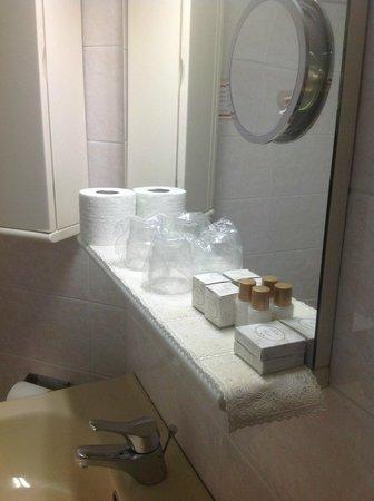 Hotel Casci: Banheiro