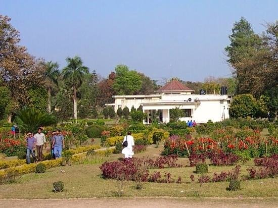 Paharpur, Bangladesh: Archaeological Rest House set in gardens